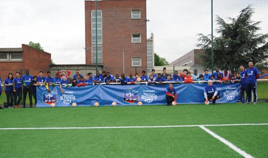 «Vivre ensemble, jouer ensemble, encourager les bleus ensemble» avec le FC Bourget!