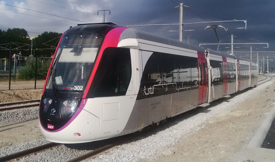 Le T11 Express arrive au Bourget!